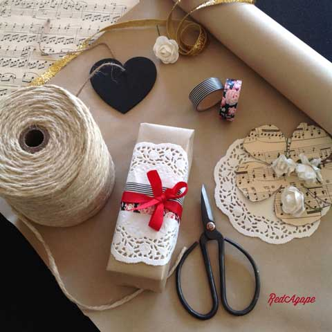 gift wrapping vignette ideas
