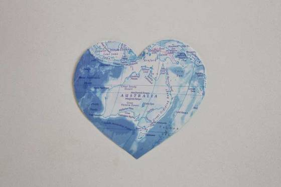 australia map heart